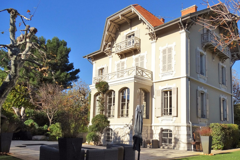 House Marseille   to buy house  5 bedrooms   510 m²