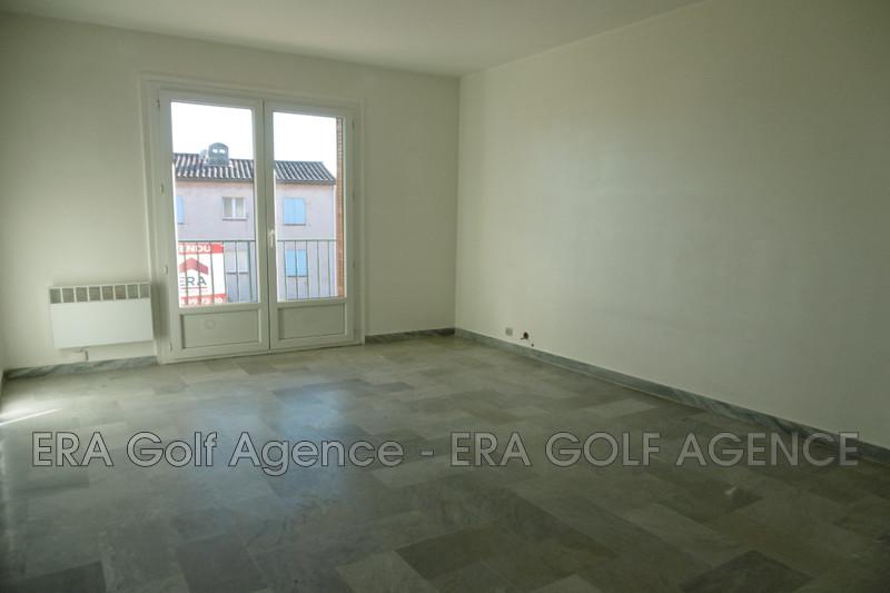 Photo Appartement Le Luc Centre-ville,   achat appartement  3 pièces   60m²