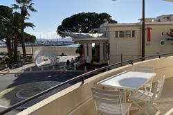 Photo Appartement f3 avec vue mer. Ste maxime  Location saisonnière appartement f3 avec vue mer.  3 pièces   65m²