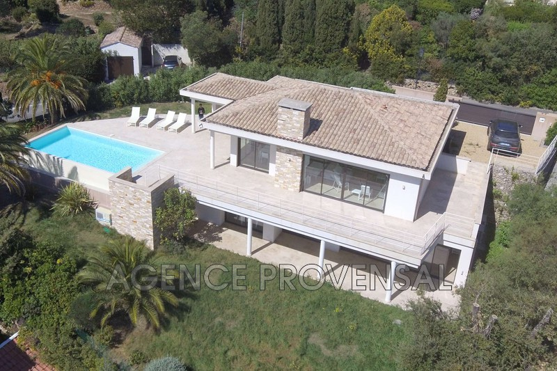 Photo Villa avec piscine et vue mer Les Issambres  Location saisonnière villa avec piscine et vue mer  8 chambres   200m²