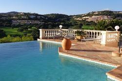 Photo Villa avec piscine proche d'un golf Ste maxime  Location saisonnière villa avec piscine proche d'un golf  8 chambres   180m²