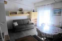 Photo Studio + mezzanine avec garage. Ste maxime  Location saisonnière studio + mezzanine avec garage.  2 pièces   30m²