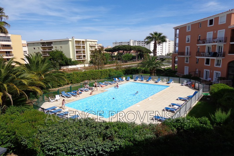Photo Bel appartement t3 avec piscine Ste maxime  Location saisonnière bel appartement t3 avec piscine  3 pièces   50m²