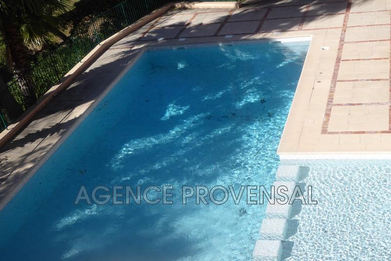 Photo T2 en résidence avec piscine Ste maxime  Location saisonnière t2 en résidence avec piscine  2 pièces   59m²