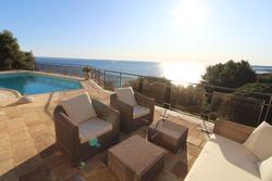 Photo Villa avec piscine et vue mer Ste maxime  Location saisonnière villa avec piscine et vue mer  10 chambres   200m²