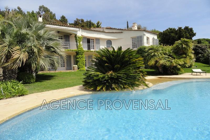 Photo Villa avec piscine et belle vue mer Grimaud  Location saisonnière villa avec piscine et belle vue mer  13 chambres   270m²