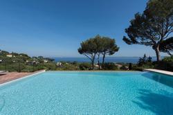Photo Villa avec piscine et superbe vue mer Sainte-Maxime  Location saisonnière villa avec piscine et superbe vue mer  10 chambres   350m²