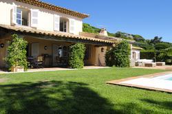 Photo Villa avec piscine et superbe vue mer Ste maxime  Location saisonnière villa avec piscine et superbe vue mer  10 chambres   350m²