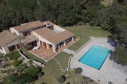 Photo Villa  piscine et vue mer Grimaud  Location saisonnière villa  piscine et vue mer  8 chambres   180m²