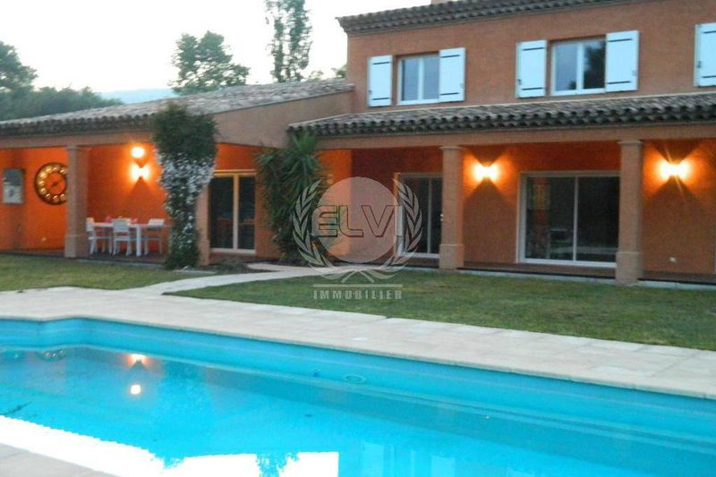 House Le Plan-de-la-Tour  Vacation rental house  5 bedrooms   170 m²