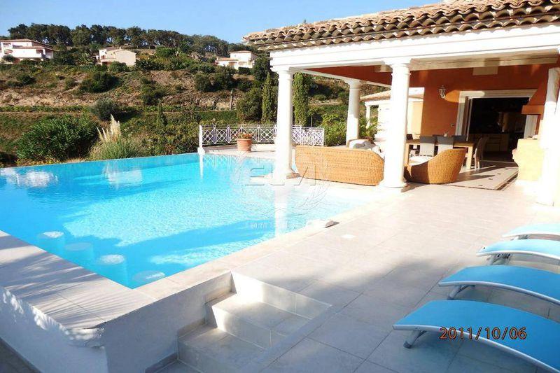Maison Sainte-Maxime  Location saisonnière maison  5 chambres   240m²