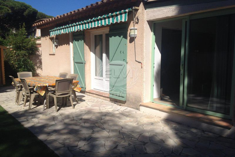 House Les Issambres  Vacation rental house  4 rooms   90 m²