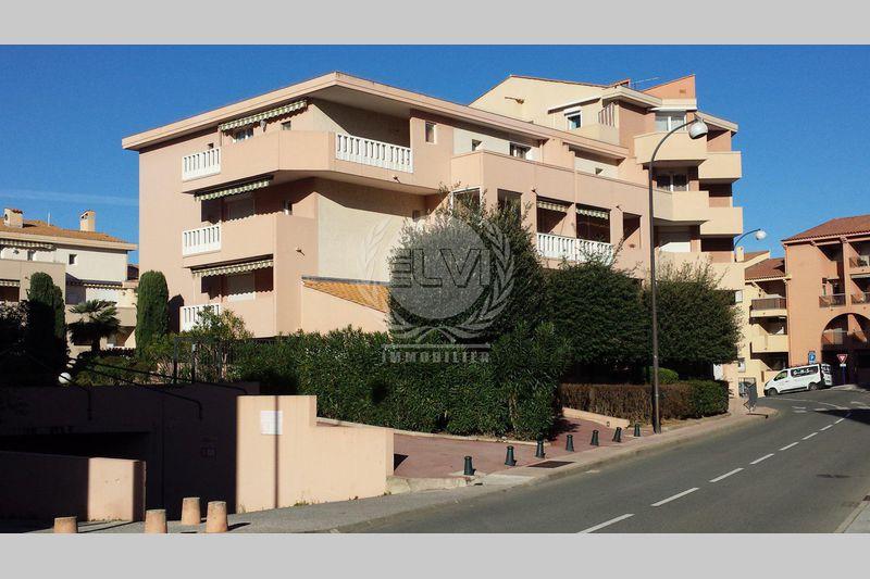 Appartement Sainte-Maxime  Location saisonnière appartement  2 pièces   28m²
