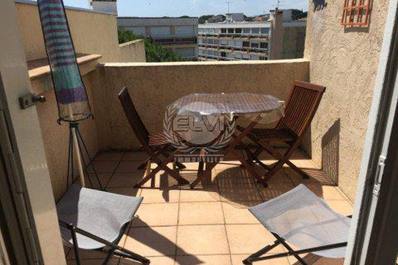 Photo Apartment Sainte-Maxime  Vacation rental apartment  2 rooms   50 m²