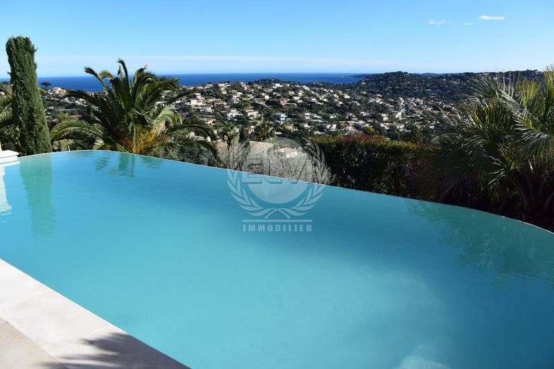 Photo Villa Sainte-Maxime  Vacation rental villa  5 rooms   150 m²