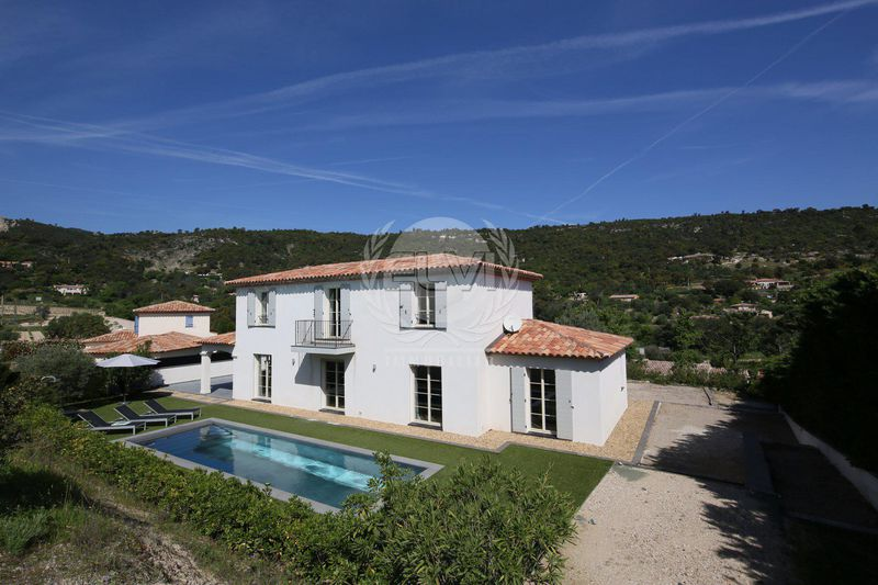 Photo Villa Le Plan-de-la-Tour  Vacation rental villa  4 bedrooms   200 m²