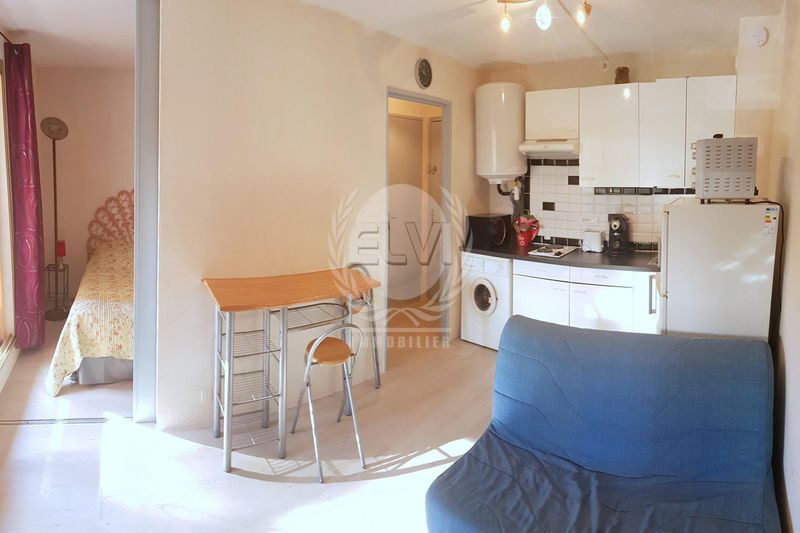 Photo Appartement Sainte-Maxime   achat appartement  2 pièces   26 m²