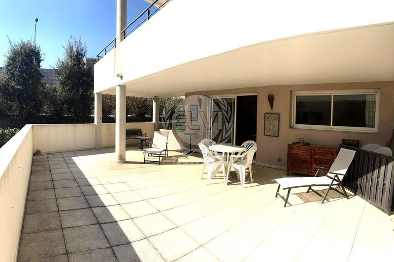 Photo Appartement Sainte-Maxime   achat appartement  3 pièces   65 m²
