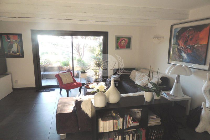 Photo Villa Sainte-Maxime   to buy villa  2 bedrooms   79 m²