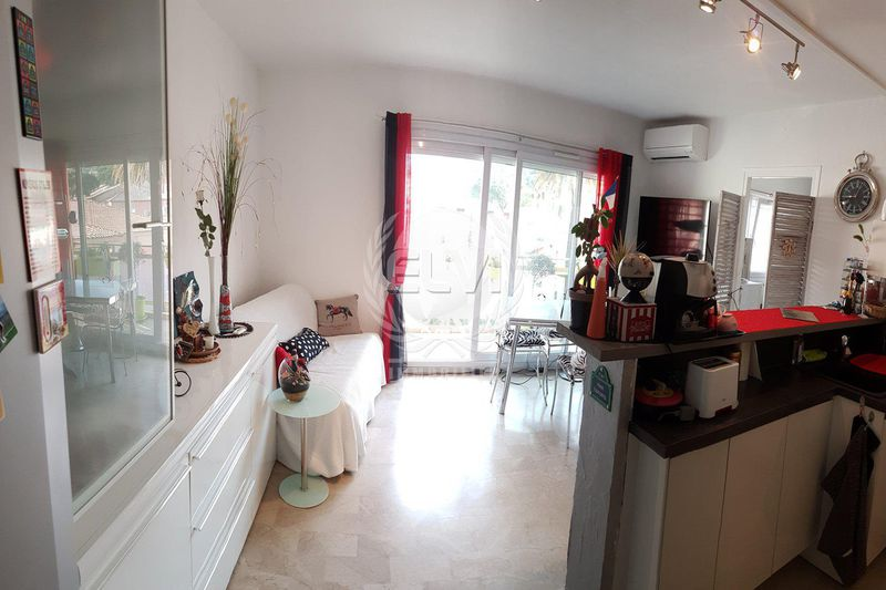 Photo Appartement Sainte-Maxime   achat appartement  2 pièces   44 m²