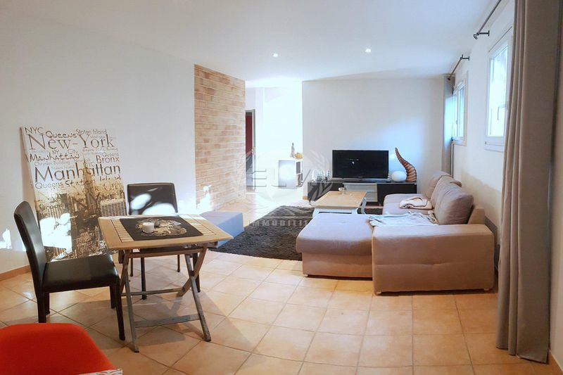 Photo Appartement Sainte-Maxime   achat appartement  3 pièces   53 m²