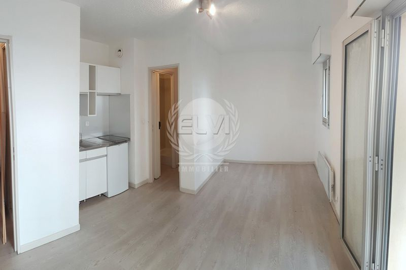 Photo Appartement Sainte-Maxime   achat appartement  1 pièce   20 m²