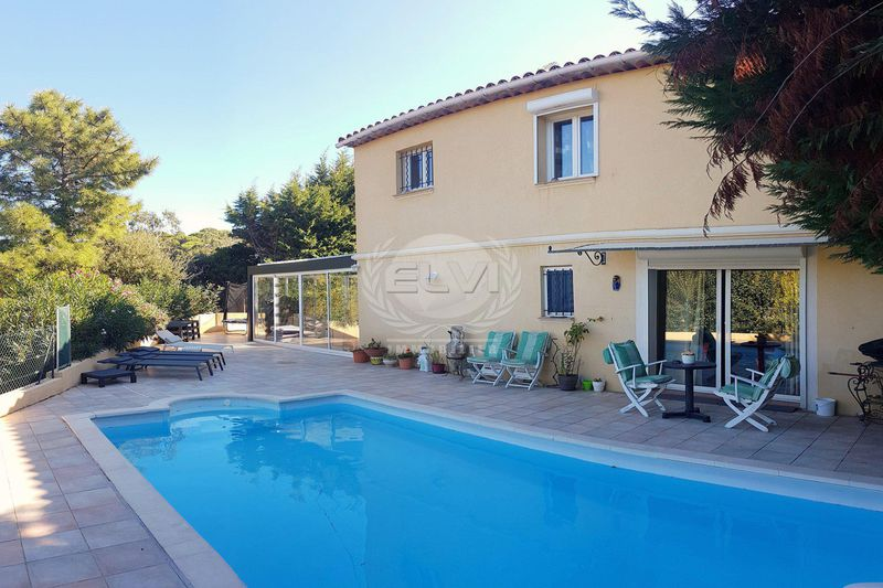 Villa Sainte-Maxime   achat villa  6 pièces   126m²