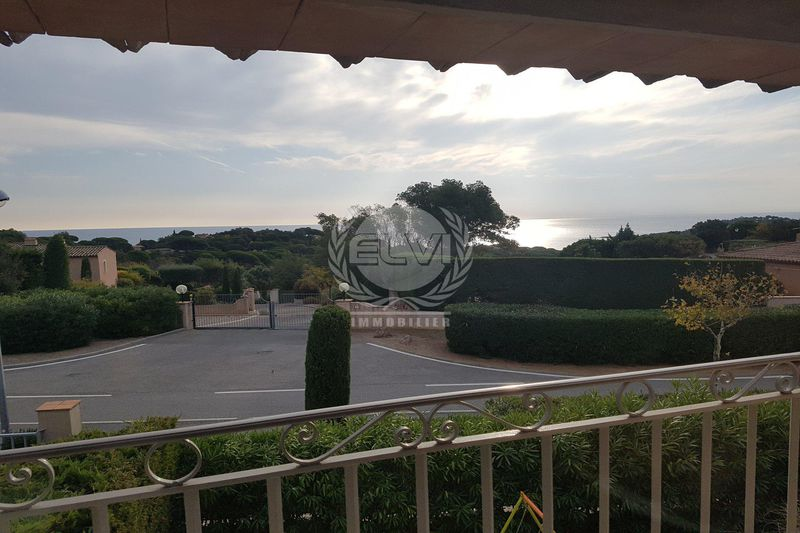 Villa Sainte-Maxime   to buy villa  4 bedrooms   260 m²