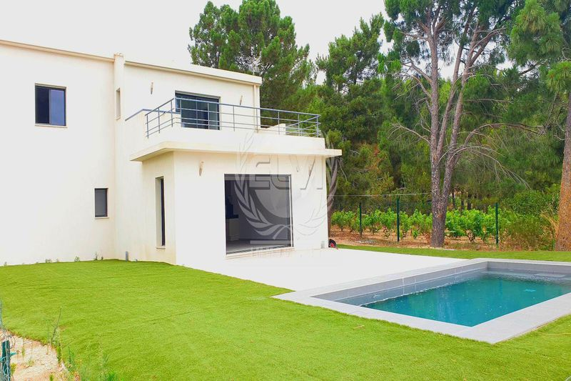 Photo Villa Le Plan-de-la-Tour   to buy villa  3 bedrooms   146m²