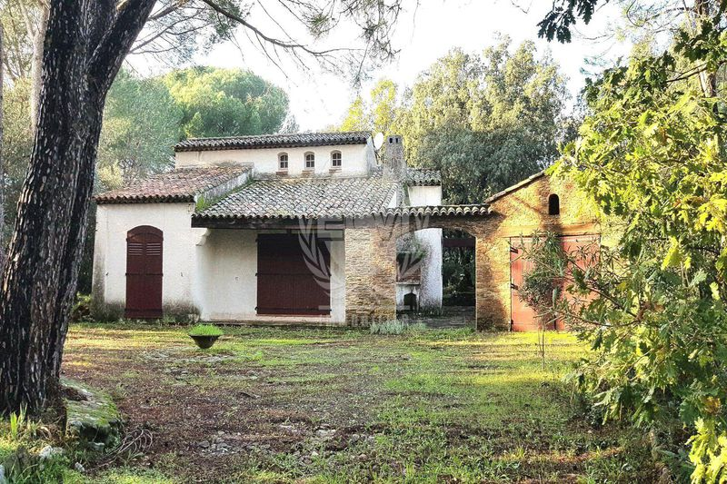 Property Le Plan-de-la-Tour   to buy property  4 rooms   69m²