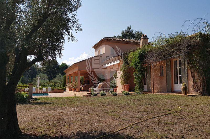 Photo Villa Le Plan-de-la-Tour   to buy villa  8 rooms   200m²