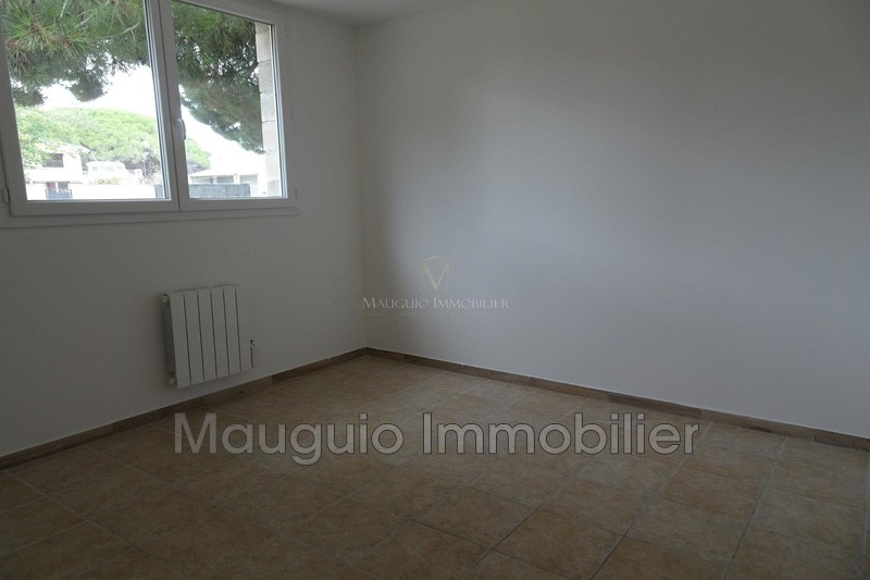 Photo Apartment Mudaison  Rentals apartment  4 rooms   75 m²