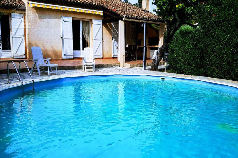 Photo Villa Montauroux   to buy villa  4 bedrooms   140 m²