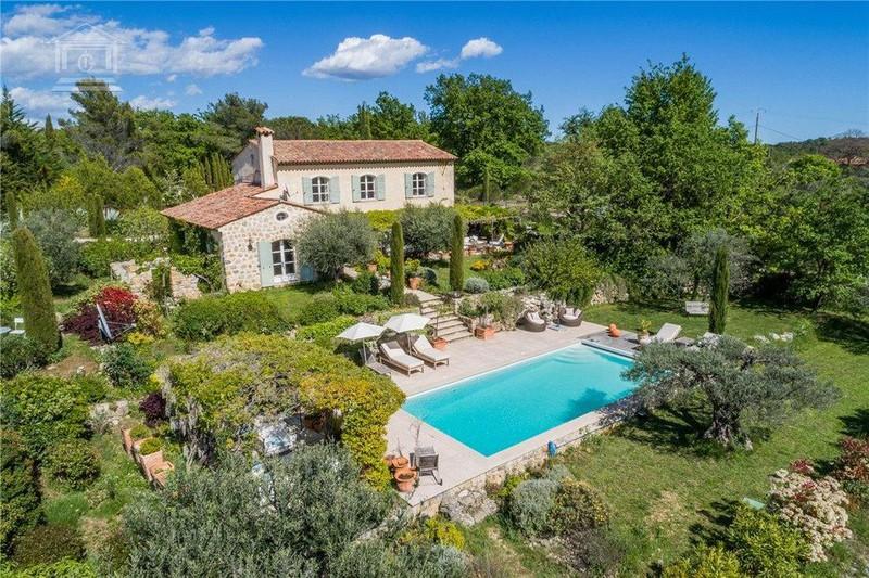 Propriété Tourrettes   achat propriété  4 chambres   210m²