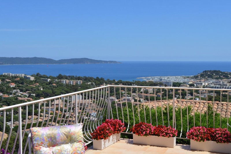 Villa Cavalaire-sur-Mer   to buy villa  6 rooms   150 m²