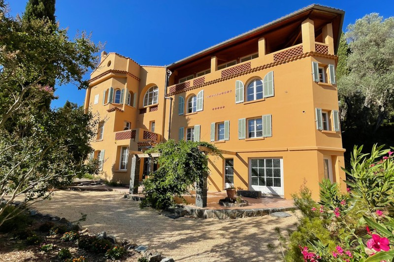 House Cavalaire-sur-Mer   to buy house  15 rooms   440m²