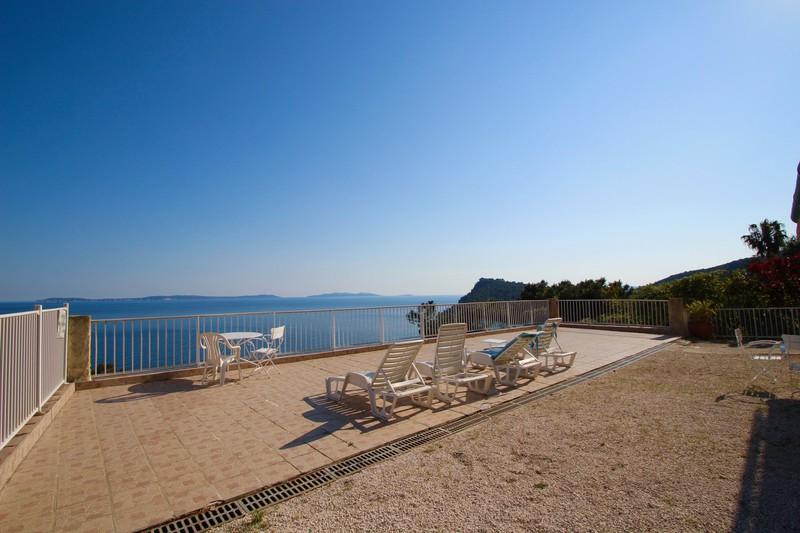 Photo Villa Rayol-Canadel-sur-Mer   achat villa  7 pièces   200m²