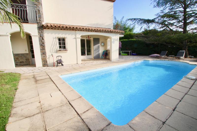Villa La Croix-Valmer   achat villa  8 pièces   215m²