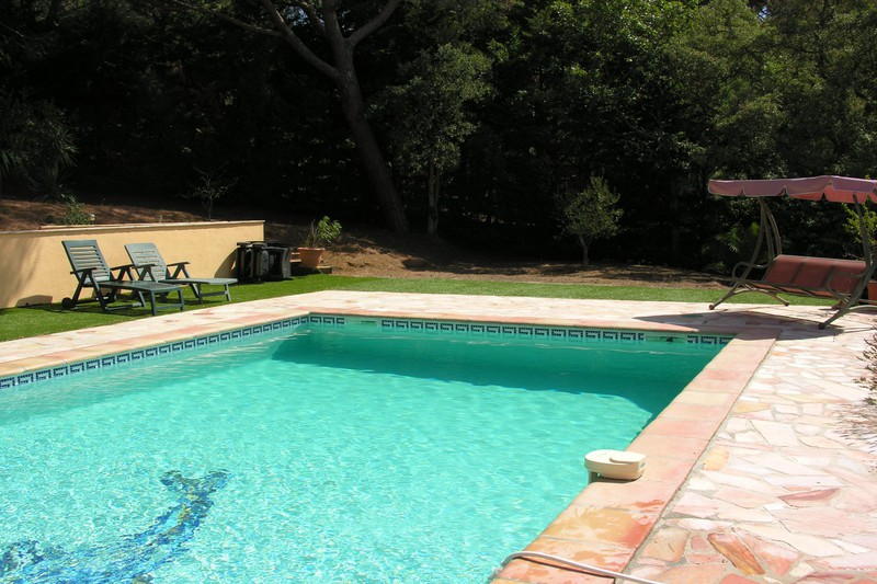Villa La Croix-Valmer   to buy villa  7 rooms   170 m²