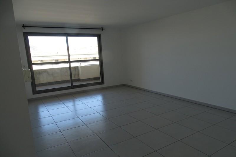 Appartement Marseille  Location appartement  3 rooms   68m²