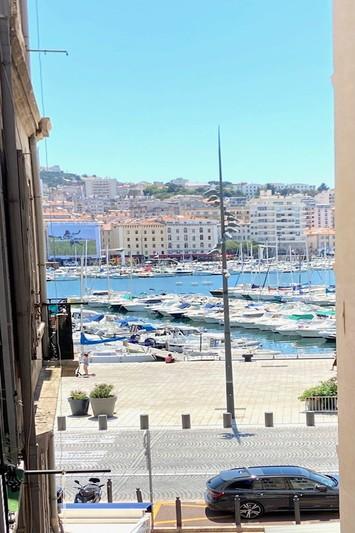 Appartement Marseille  Location appartement  3 rooms   81m²