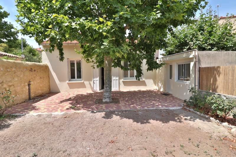 Maison Marseille  Location maison  2 chambres   60m²