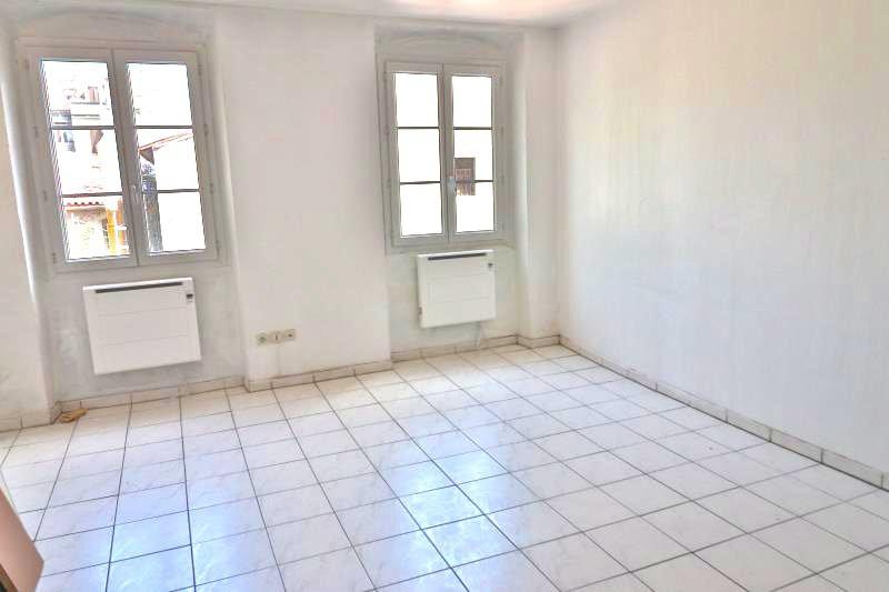 Appartement Marseille  Location appartement  2 pièces   38m²