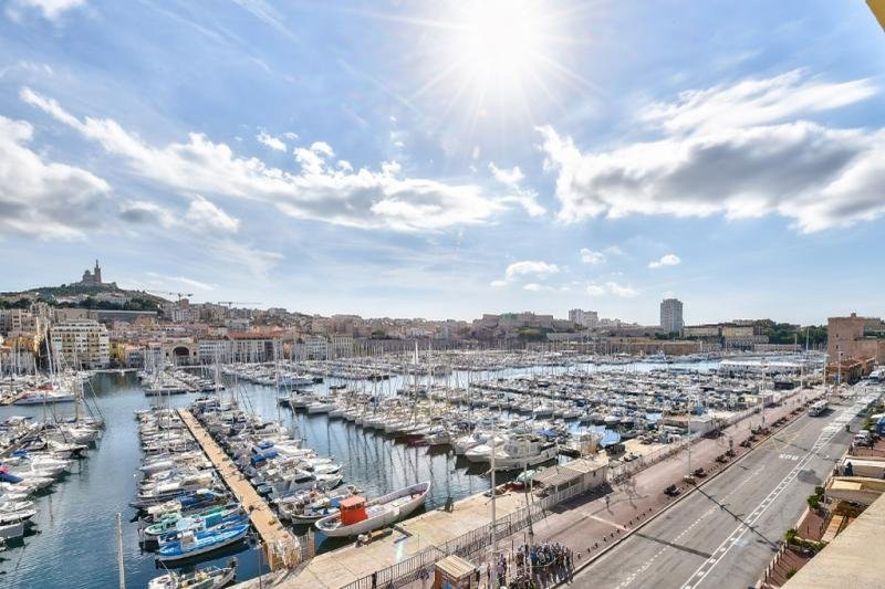 Appartement Marseille  Location appartement  4 rooms   183 m²