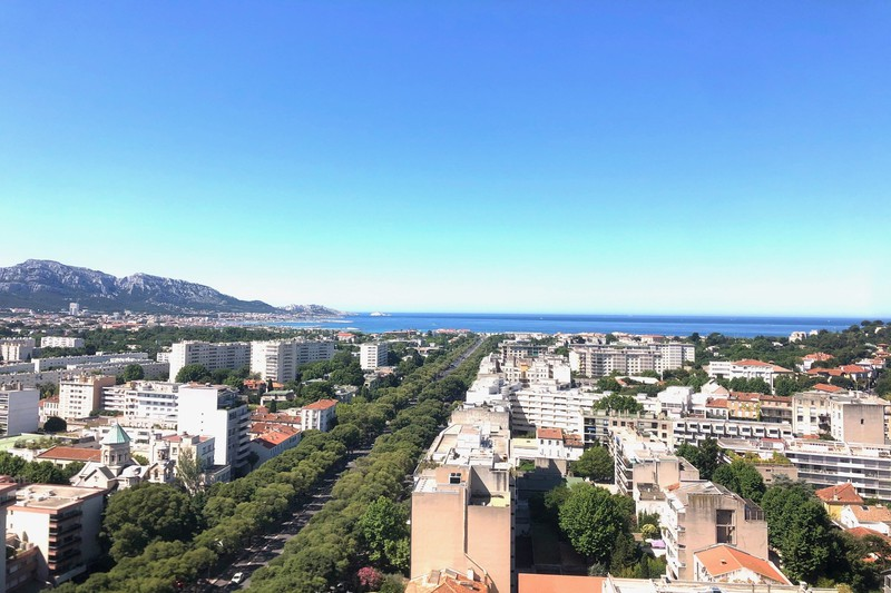 Appartement Marseille  Location appartement  3 rooms   83 m²