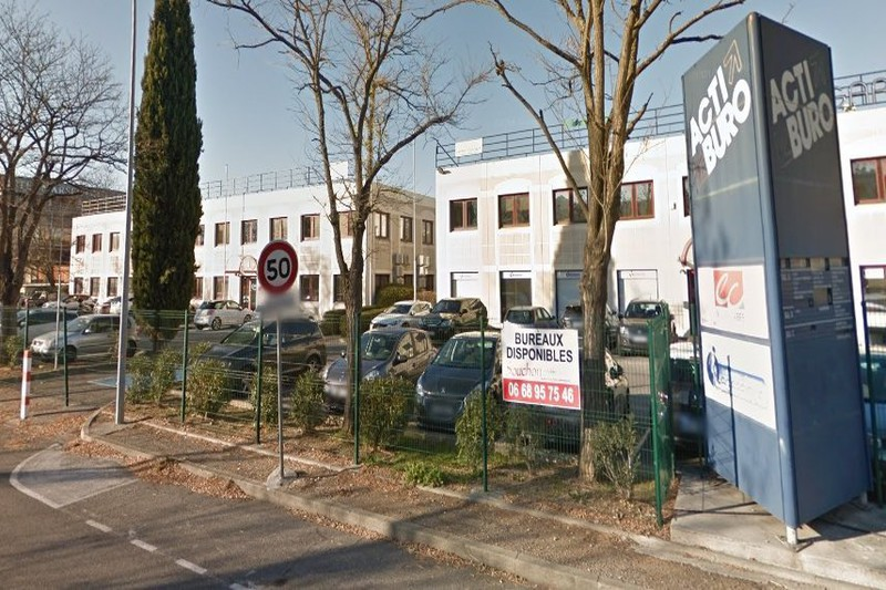 Bureaux Aubagne  Professionnel bureaux   255m²