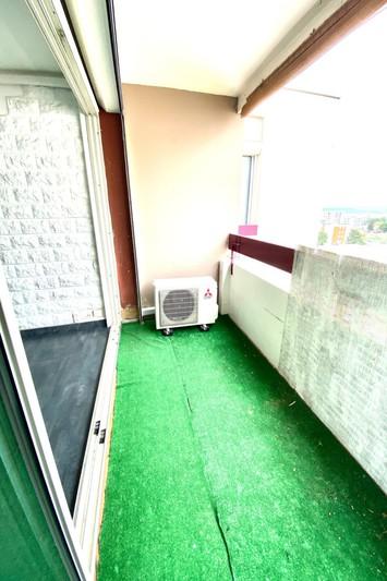 Appartement Vitrolles   achat appartement  3 pièces   71m²