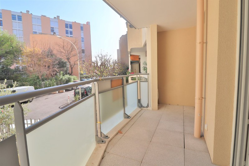 Photo Appartement Marseille   achat appartement  3 pièces   61m²