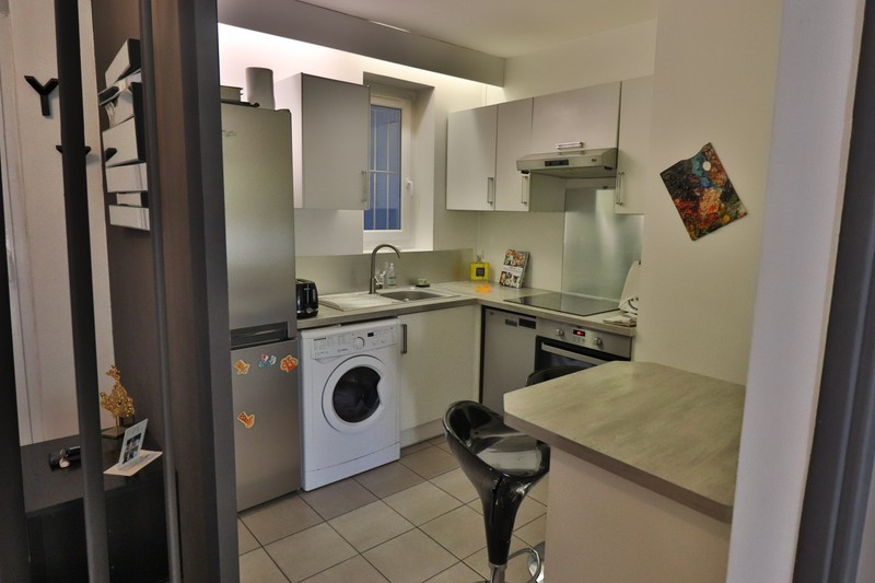 Photo Appartement Marseille   to buy appartement  3 rooms   66m²