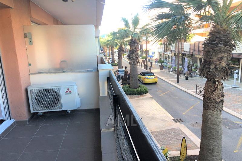 Photo Appartement Sainte-Maxime Centre ville,  Location appartement  1 pièce   25m²